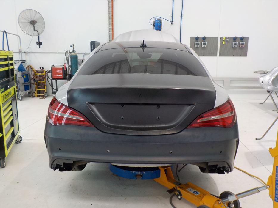 Mercedes being fitted with genuine parts and restored back with undetectable repairs